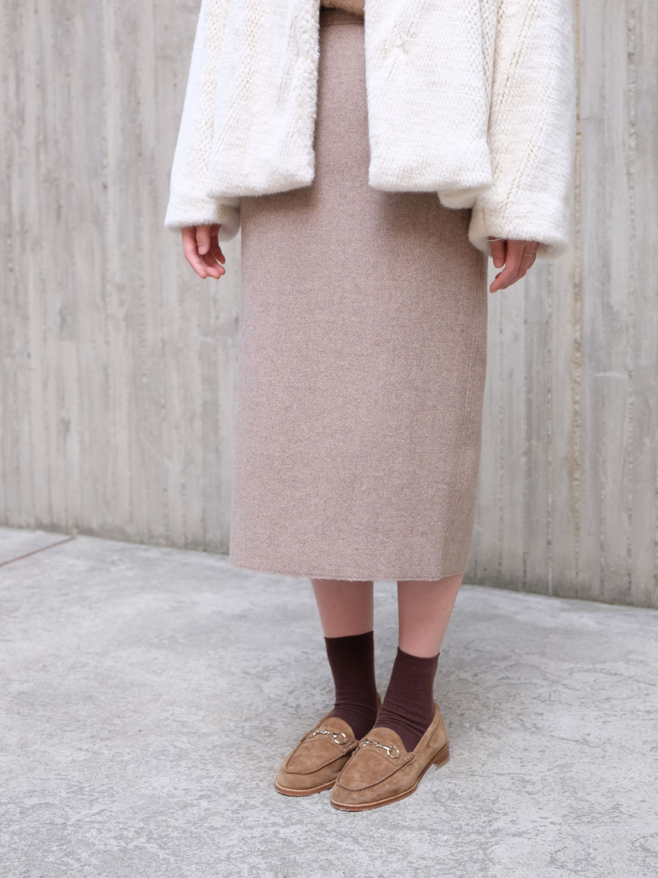 DEMI LONG SKIRTS [BEIGE]